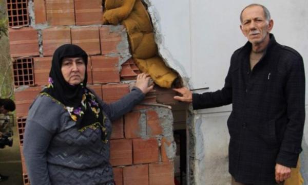 Trabzon'da ev ortadan ikiye bölündü