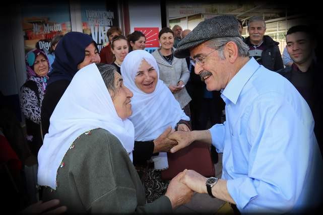 Yılmaz Büyükerşen'den 8 Mart Dünya Emekçi Kadınlar Günü Mesajı