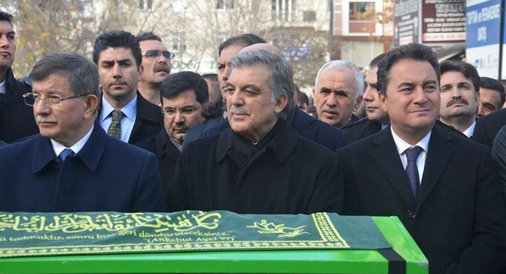 Şok iddia: ''Abdullah Gül bir süre daha bekleyin dedi''