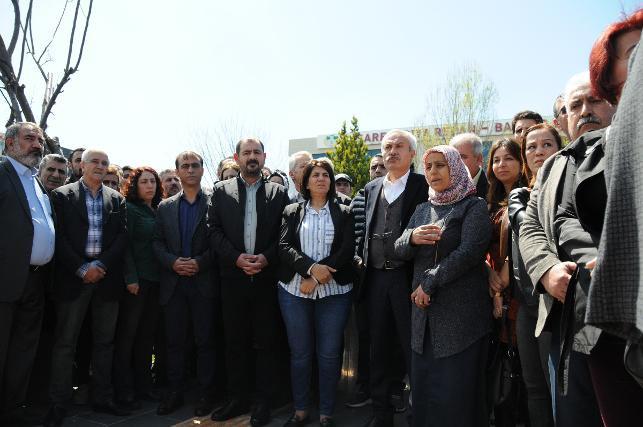 Dİyarbakır'da HDP'den ''mazbata'' tepkisi
