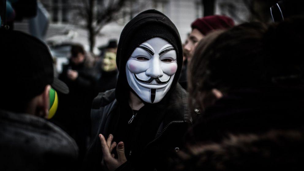 Anonymous tehdit etti: ''Assange'ı serbest bırakın yoksa...''