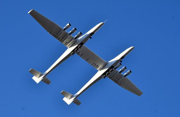 Dünyanın en büyük uçağı havalandı - Resim: 3