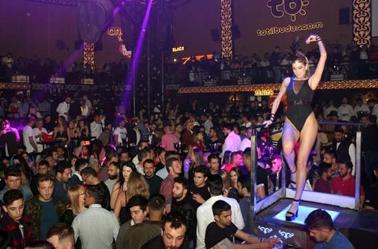 Antalya'da sezon açıldı ! Gece yarısı kapılar açıldı...