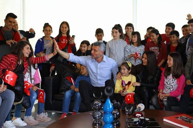 Saran 23 Nisan Çocuk Bayramı etkinliklerinde çocukları ağırladı