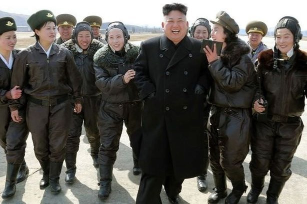 Yemeği soğuk gelen Kim Jong-Un bakın ne yapmış