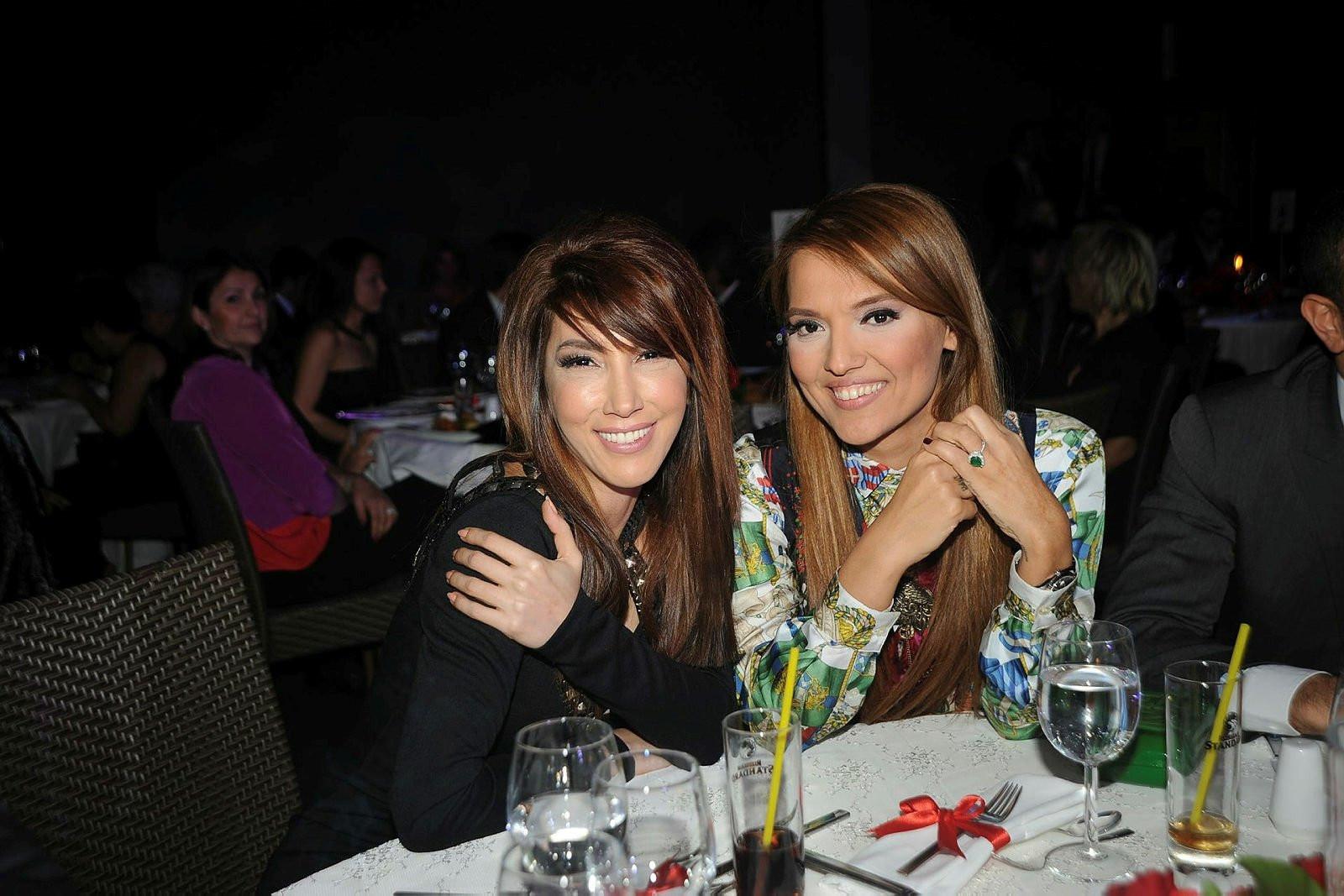 Demet Akalın ve Hande Yener aynı sahnede yer alacak