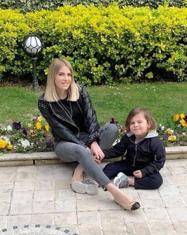 Mustafa Sandal ve Melis Sütşurup'a Emina Jahovic engeli