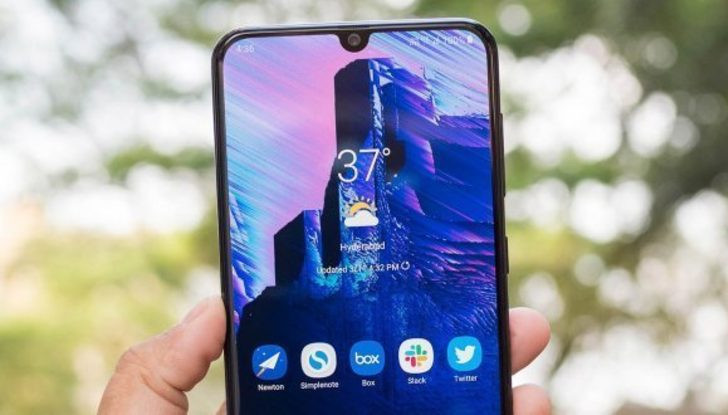 Samsung'dan uygun fiyatlı telefon geliyor