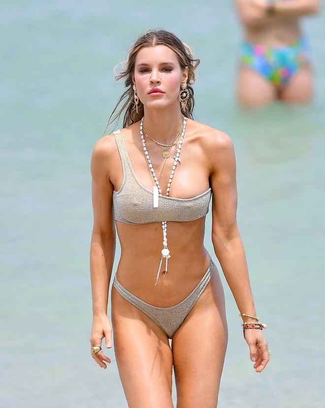 Yeni sezon bikini çekimleri yürek hoplattı