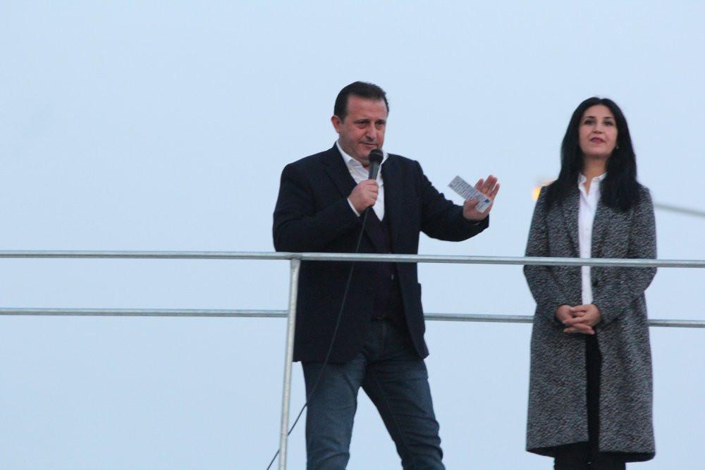 ''1 oy fark atsınlar İzmir'i terk etmeyen namerttir'' demişti...