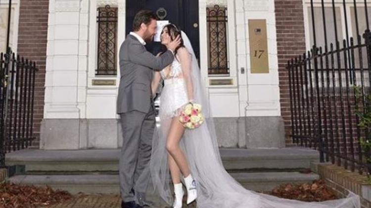 Sinan Akçıl ile evlenen Burcu Kıratlı boşanıyor mu ?
