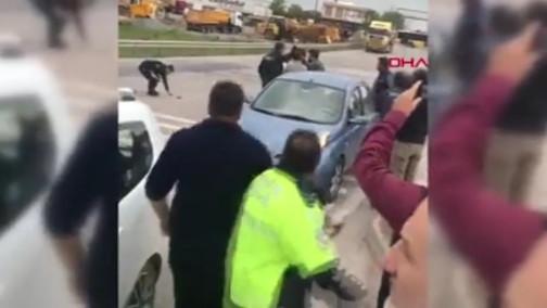 İstanbul'da zincirleme kaza meydan savaşı ! Polis ateş açtı