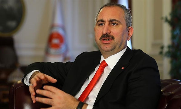 Hükümet bebek katili Öcalan'ın görüşme yasağını kaldırıldı