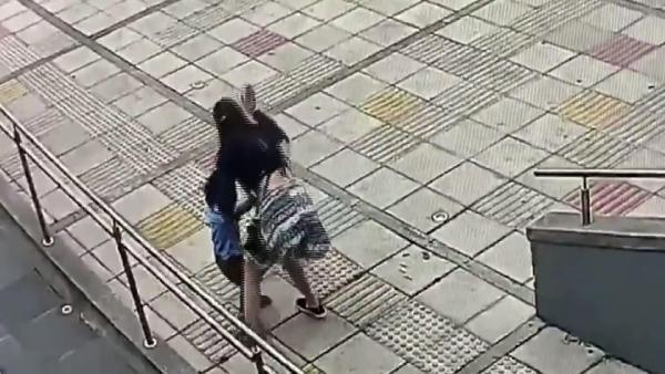 Halası dövdü, annesi ''Disiplin yöntemi'' dedi