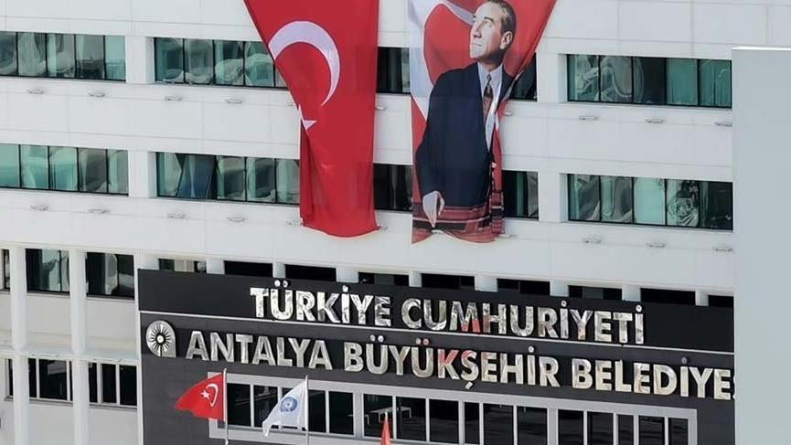 İstanbul, Ankara derken şimdi de Antalya ! T.C. tabelası eklendi