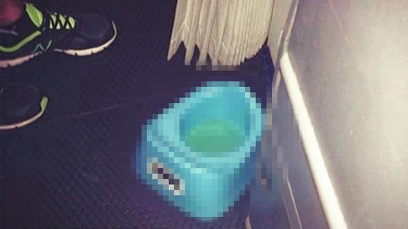 Uçakta pes dedirten görüntü ! Sosyal medya sallandı