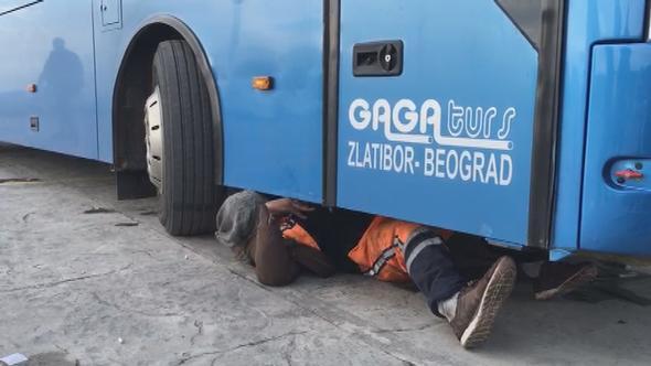 İstanbul'da inanılmaz olay! Otobüsün altında yakalandı