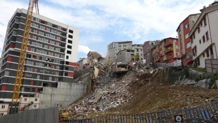 Hasarlı binaların yıkımına başlandı !