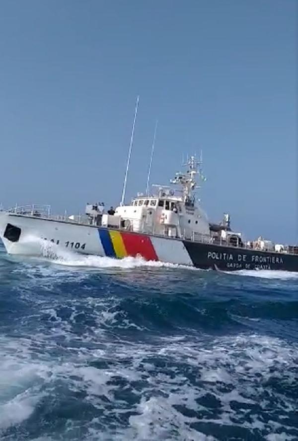 Türk balıkçı teknesine ateş açıldı: 3 yaralı, 5 gözaltı - Resim: 2