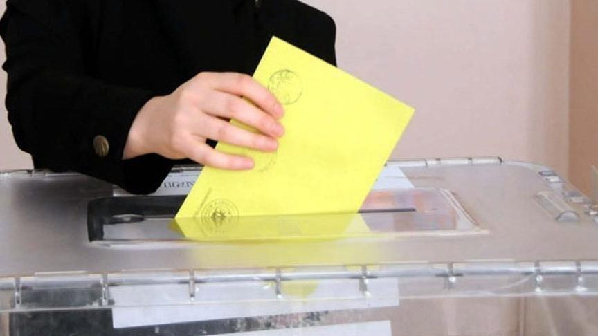 İstanbul'da bir aday daha seçimden çekildi !