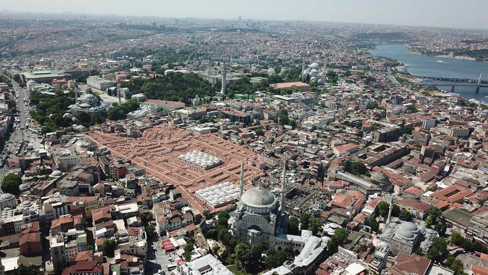 558 yıllık Tarihi Kapalıçarşı'nın çatısı ve alt yapısı tamamlandı