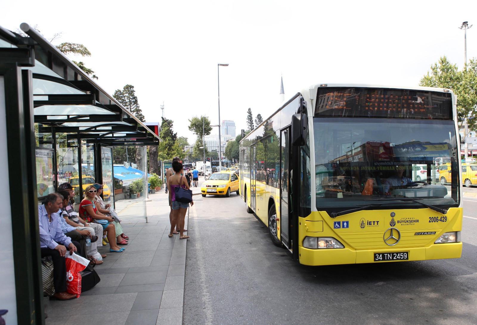 İstanbul'da bugün ve yarın ulaşım öğrencilere ücretsiz