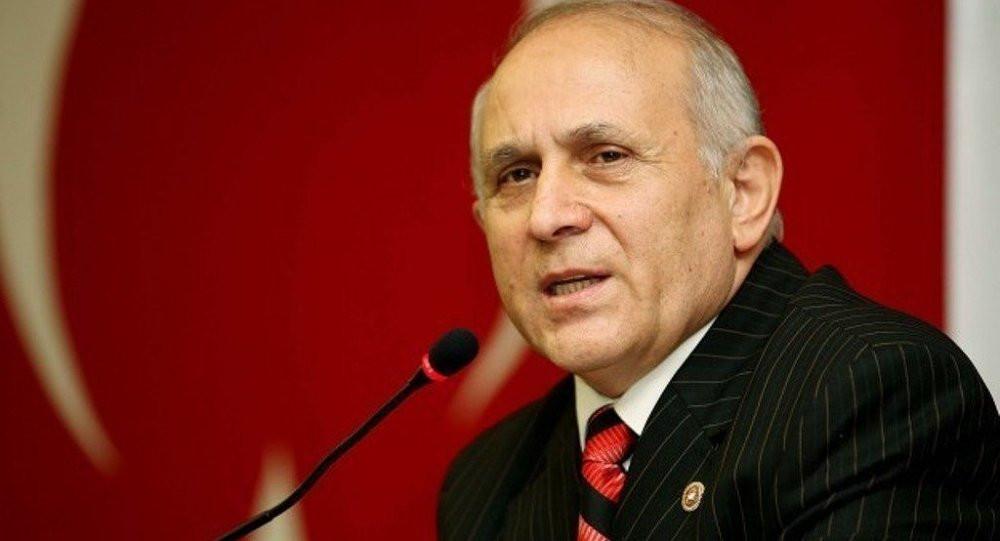AK Partili Burhan Kuzu'dan takipçisine hakaret