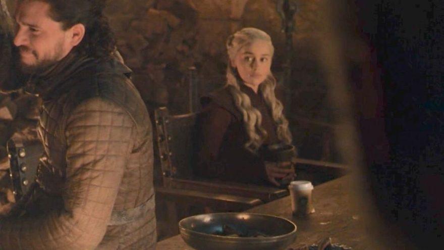 İzleyenler şaştı kaldı ! Ünlü dizide ''Starbucks'' sürprizi