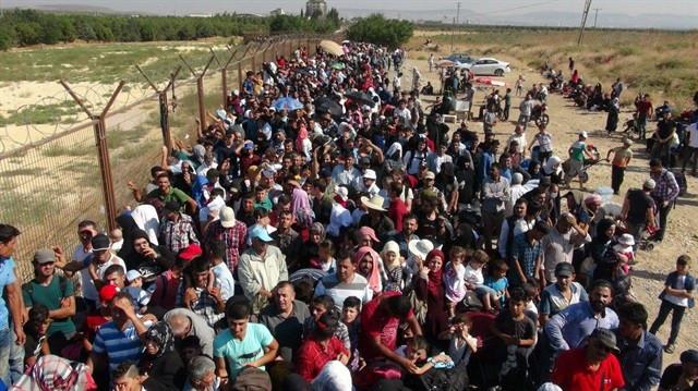 Geri gönderilmek istemeyen mülteciler olay çıkardı !