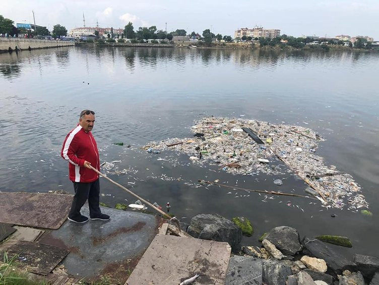 İstanbul'da korkutan balık ölümleri! Burası Küçükçekmece Gölü...