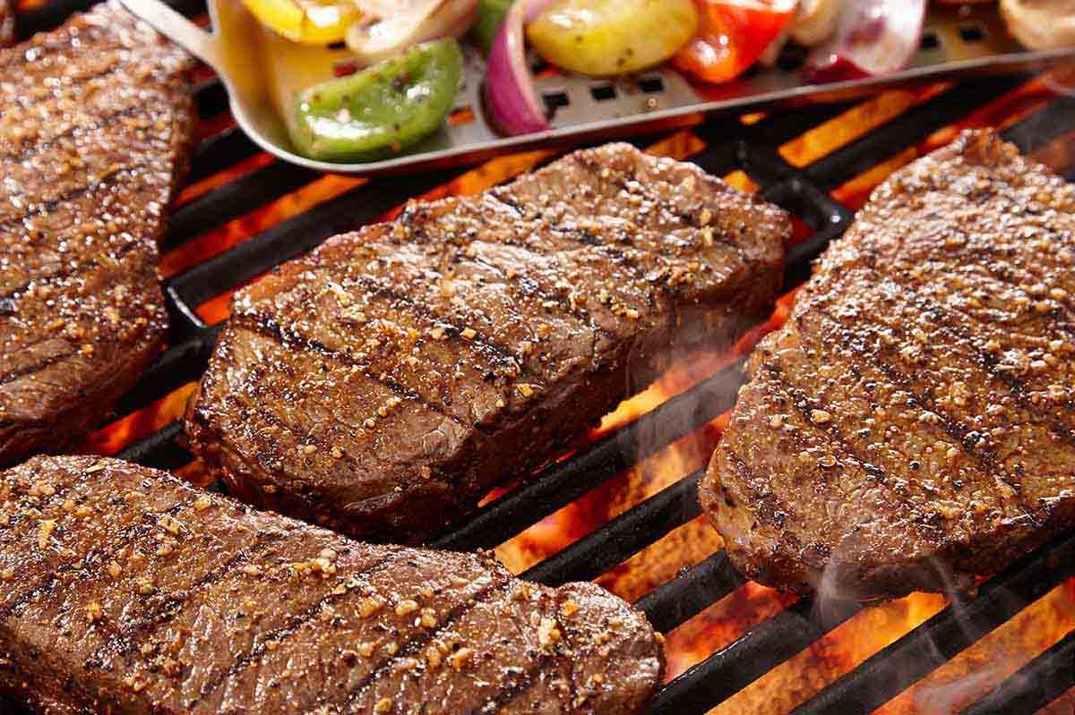 Kırmızı et sevelenlere kötü haber: Ölüm riski...