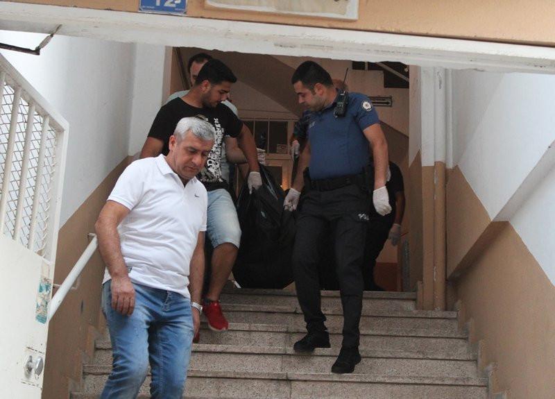 Antalya'da korkunç manzara! Yarı çıplak halde ölü bulundu