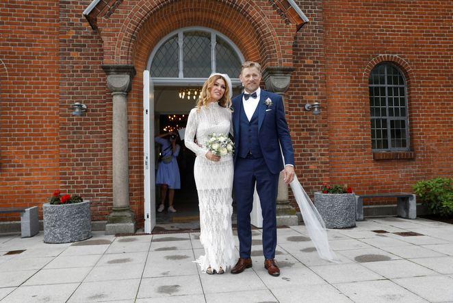 Ünlü futbolcu Playboy güzeliyle evlendi