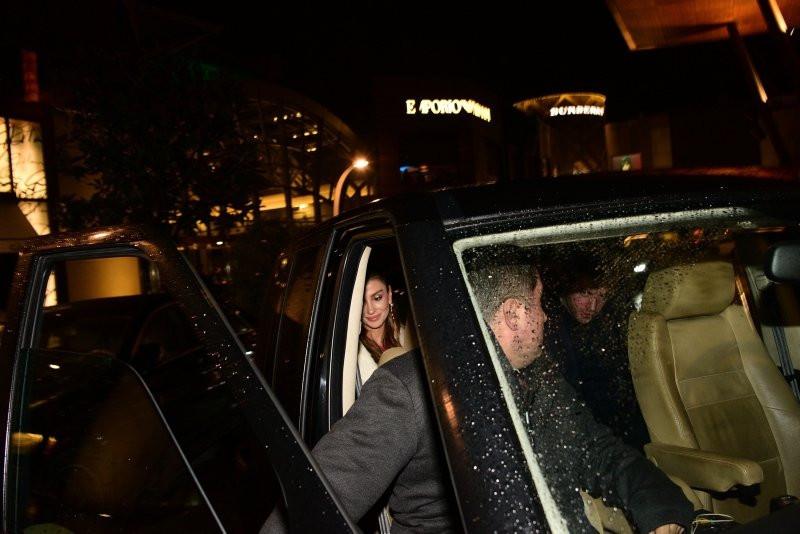Özge Ulusoy'un sevgilisi Faruk Çolakoğlu kesenin ağzını açtı