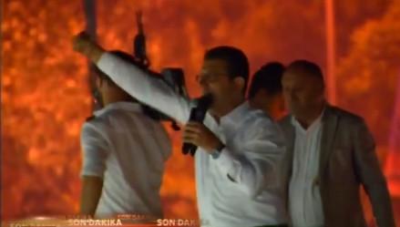 Beylikdüzü'nde mahşeri kalabalık İmamoğlu'nun zaferini kutladı