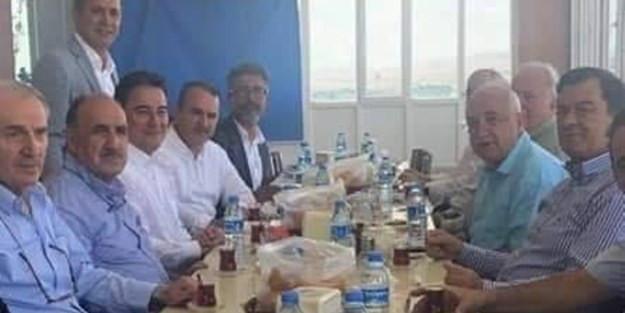 Sürpriz iddia: ''Babacan ve ekibi yemekte buluştu''