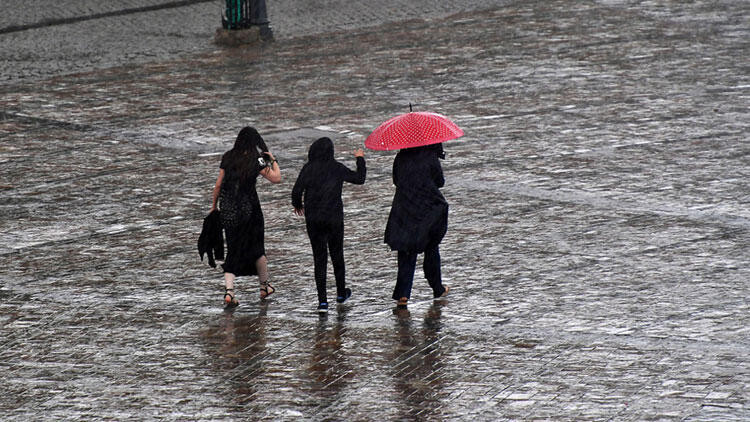 Meteoroloji uyardı ! Bayramın ilk günü yağış var
