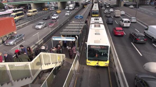 İBB'den FSM açıklaması: 300 ek metrobüs seferi konuldu