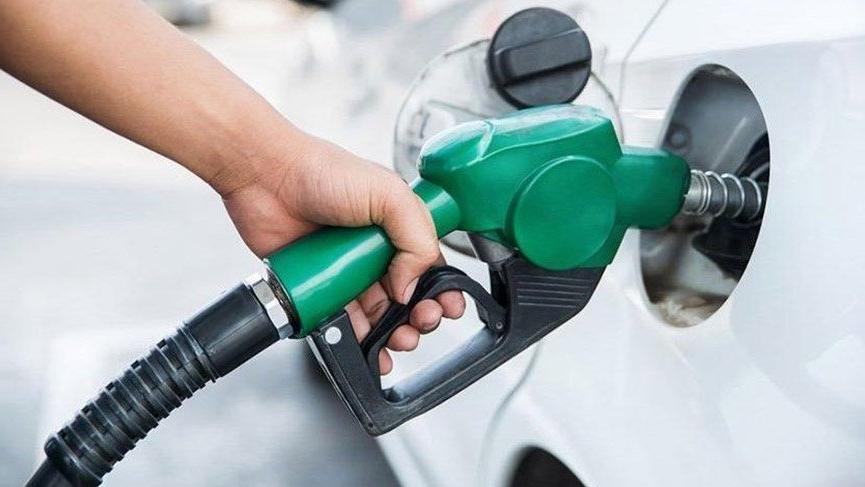 Benzine okkalı zam ! 27 kuruş zam geldi: Fiyatı 7 lirayı aştı