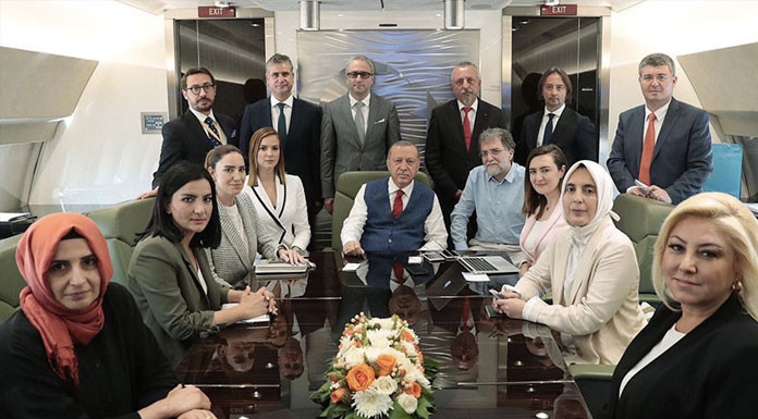 Ahmet Hakan 'Erdoğan'ın uçağına asla ve kat'a binmeyeceğim'' demişti ama...