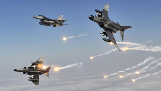 Türk savaş uçakları Kandil'i vurdu !