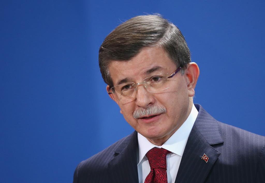 Ahmet Davutoğlu'ndan canlı yayında yeni parti açıklaması