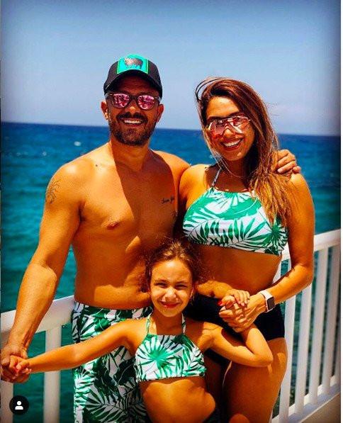 Zuhal Topal'in bikinili paylaşımına sosyal medyada beğeni yağdı