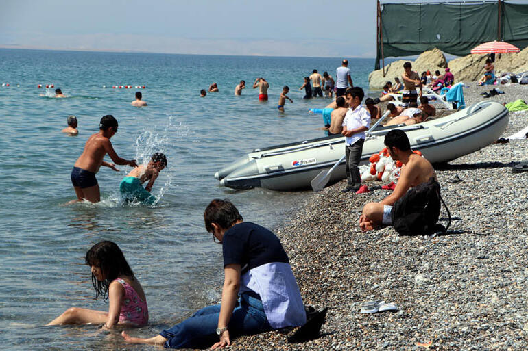 Van Gölü, Ege ve Akdeniz sahillerini aratmadı