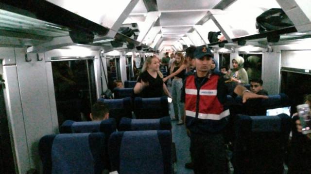 Trene evcil hayvanıyla binen kadın ortalığı karıştırdı