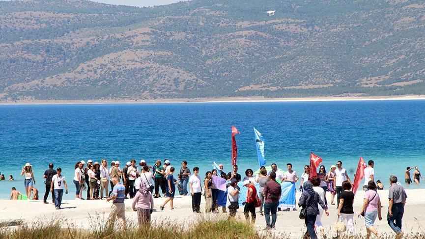 CHP'den Salda'ya dokunma eylemi