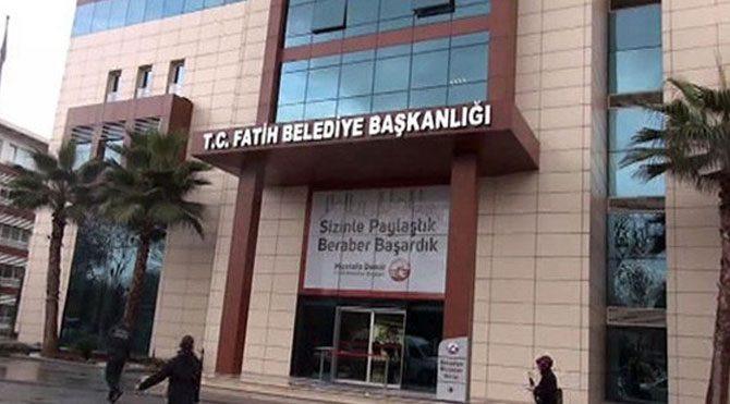 AK Partili Fatih Belediyesi'ne haciz