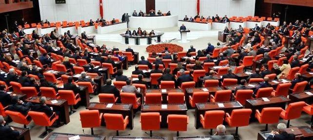 AK Parti'nni ''yatırımcı bakan'' korkusu madde iptal ettirdi !