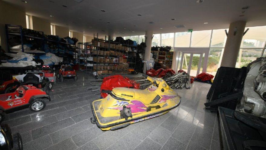 Ankara Büyükşehir deposunda jet ski bulundu