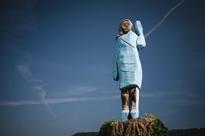 First Lady Melania Trump'ın heykeli olay oldu